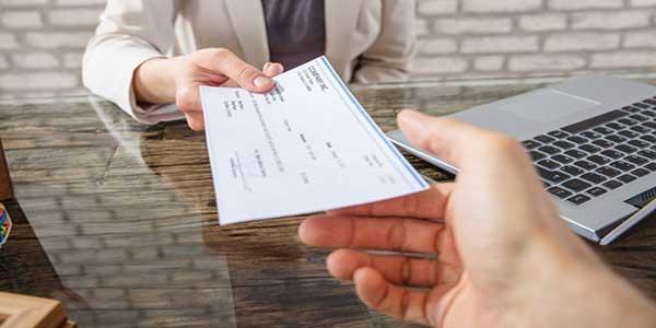 Pagar factura Sky con cheques